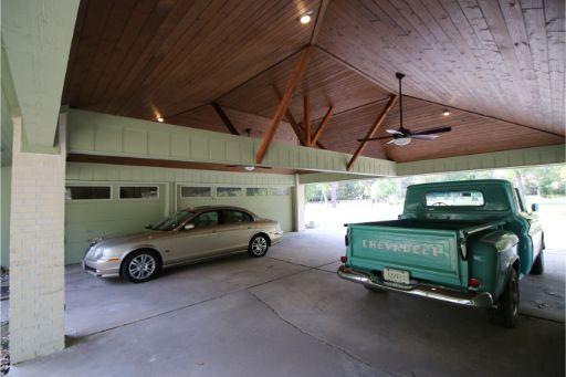 Carport in Memorial