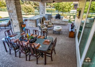 Fulshear_CoveredPatio_OutdoorKitchen_Firepit