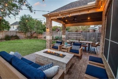 Patio Cover with Fire Pit in Sugarland