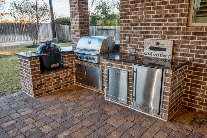 Custom Outdoor Kitchen in Katy